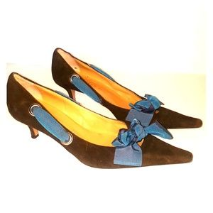 Betty Muller Italian brown suede shoes w/ ribbon